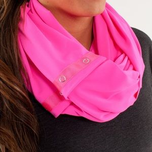 Rare lululemon vinyasa scarf in hot pink!